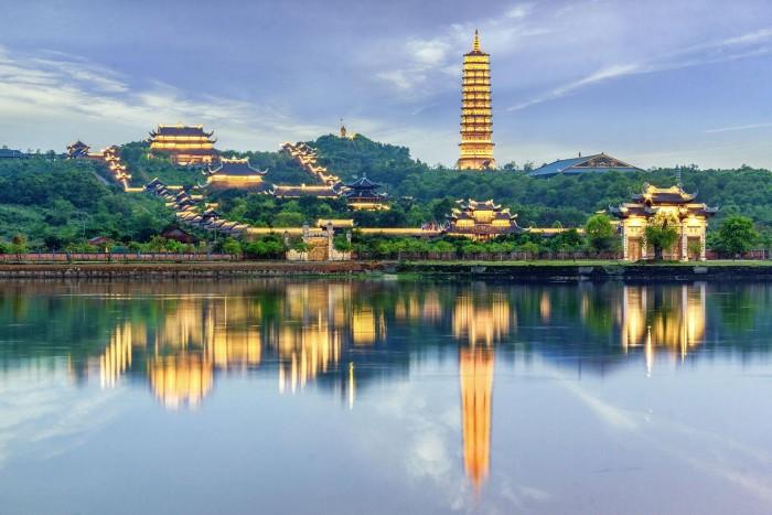 Trải nghiệm du lịch chùa Bái Đính về đêm
